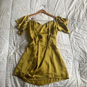 Off-the-shoulder Short-Sleeved Mini Dress